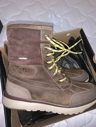 Отличные непромокаемые зимние ботинки UGG