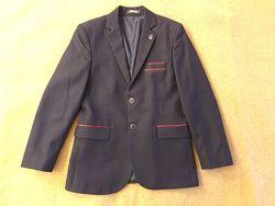 Пиджак для мальчика 9-10 лет