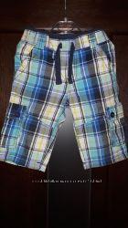 Яркие тонкие шорты