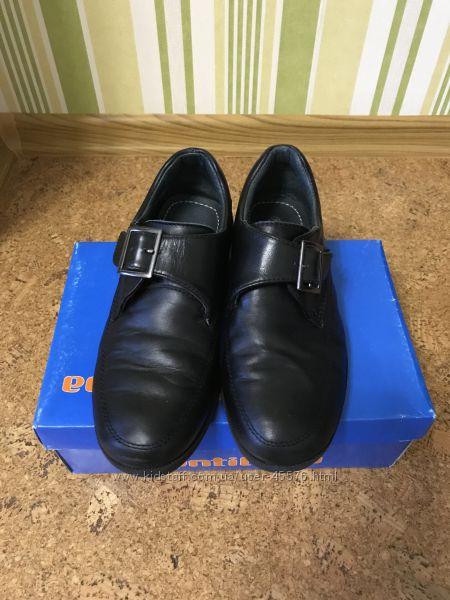 Школьные туфли 36 и 37 размеры,  стелька 22, 5 и 23 см