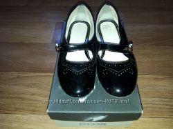 Кожаные лакированные туфельки Geox, р. 35