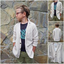 Стильный бежевый пиджак блейзер от Zara для подростка. Как раз к школе