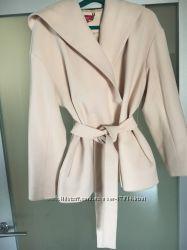 Пудровое пальто Андре Тан