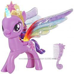 Пони Искорка с радужными крыльями My Little Pony Hasbro