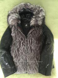 Кожаная куртка-жилетка с чернобуркой