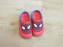 Босоножки коричневые, шлепки, кроксы Некст человек паук
