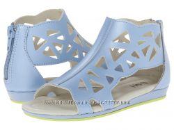 Новые кожаные босоножки UMI для девочки 27 р. 18 см, голубого цвета