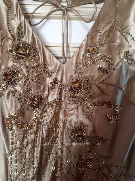 Шикарное золотое платье