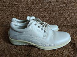 Спортивные туфли Ессо, размер 37