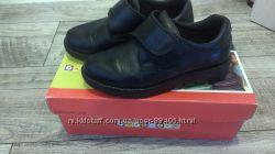 Продам школьные туфли pablosky