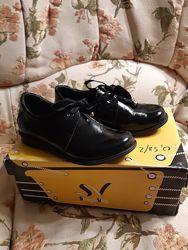 Кожаные лаковые ботиночки Шаговита 33р. 21,2см стелька