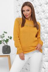 Стильный теплый свитер в наличии, новинка