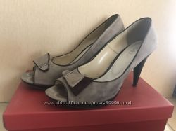 Женская обувь 37-38 размер