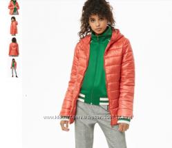 Продам новую куртку красно-кораллового цвета Forever21 размер S
