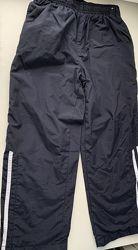 Спортивные штаны из плащевки на 7-8 лет