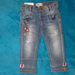 Новые стильные джинсы на малышку