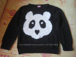 Очень красивый свитер F&F на 6-7 лет