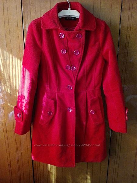 Фирменное демисезонное пальто размер 32-34 евро