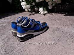 Классные кроссовки