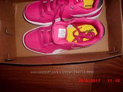 фірмові кросівки Reebok