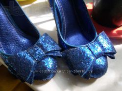 Синий цвет туфли и не только