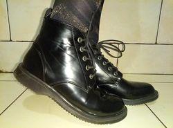 Стильные деми ботинки 37 р-ра