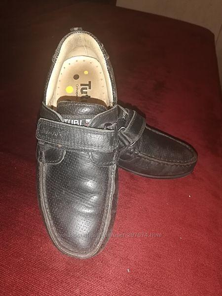 Продам спортивные туфли tutubi