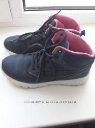 Высокие кроссовки для девочки 35-36 размер