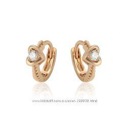 Сережки  - сердечки GF 18 К с прекрасным белым камнем