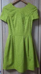 Платье жаккардовое сочного цвета киви-лайм