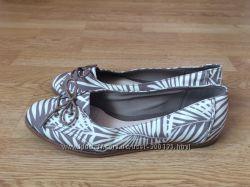 Туфли Clarks Англия 38 размера в состоянии новых