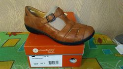 Structured Clarks  Shoes 5 M