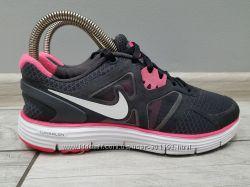 Кроссовки Nike 23 см