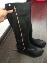 Стильные кожаные сапоги 37 размер низкий каблук