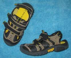 Босоножки закрытые Bobbi Shoes 27р