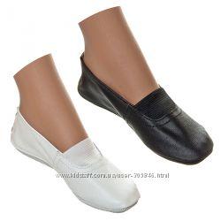 Кожаные черные и белые чешки для мальчика и девочки, садика, школы и танцев