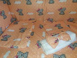 Комплект постельного в кроватку для новорожденных