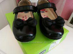 Отличные туфли в школу 31р Chicco