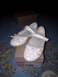 Белые туфельки 28 размер