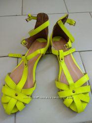 Bershka shoes босоножки на девочку с фиксированной пяткой