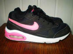 фірмові  яскраві кросівки Nike Air. Вєтнам