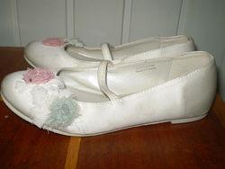 фірмове шкіряне взуття Clarks . KangaRoos
