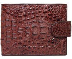 Кошельки и портмоне для мужчин. Натуральная кожа крокодила.