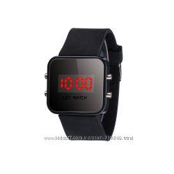Спортивные светодиодные цифровые наручные часы черные 9816