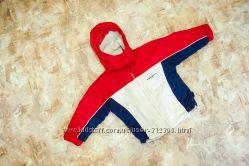 Продам куртку 104-110 рост на холодную весну БУ