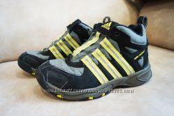 Ботинки деми Adidas 31 р 19. 5 стелька
