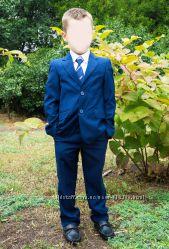 Брючный костюм в идеале 122-128 рост, на 1 класс