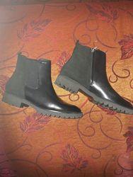 Демисезонные ботинки Geox р. 41