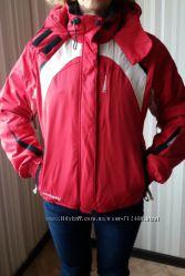 итальянская спортивная лыжная куртка в отличном состоянии