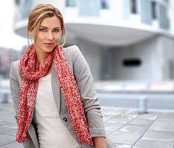 Оригинальный легкий шарф с ярким розовым принтом  ТСМ Tchibo